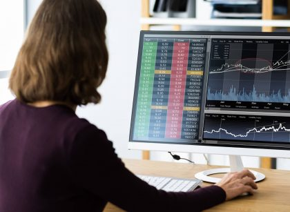 woman day trader